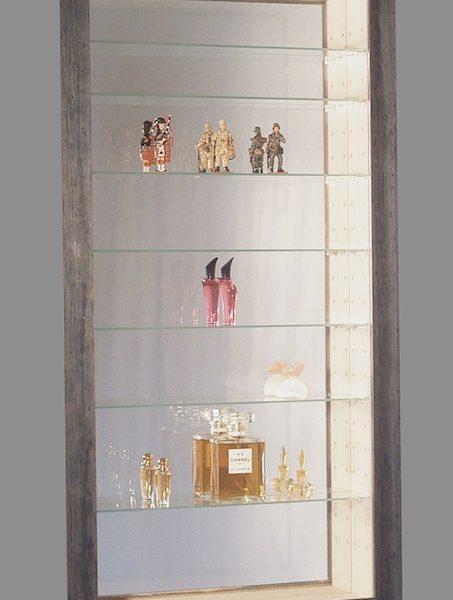 vitrine figurine